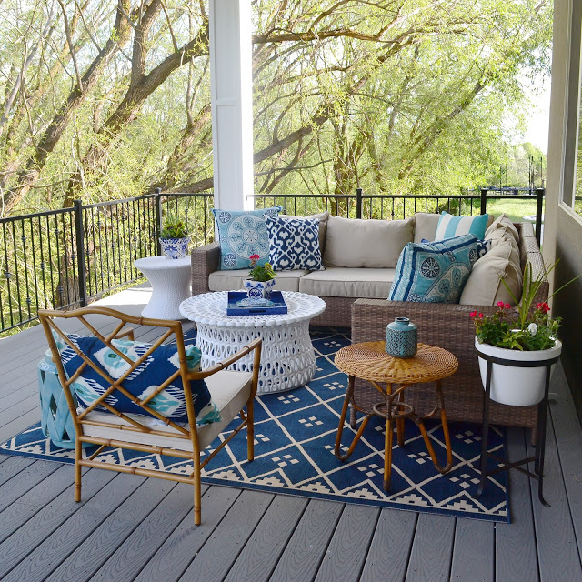 Decorating Outside Kitchen And Deck Area