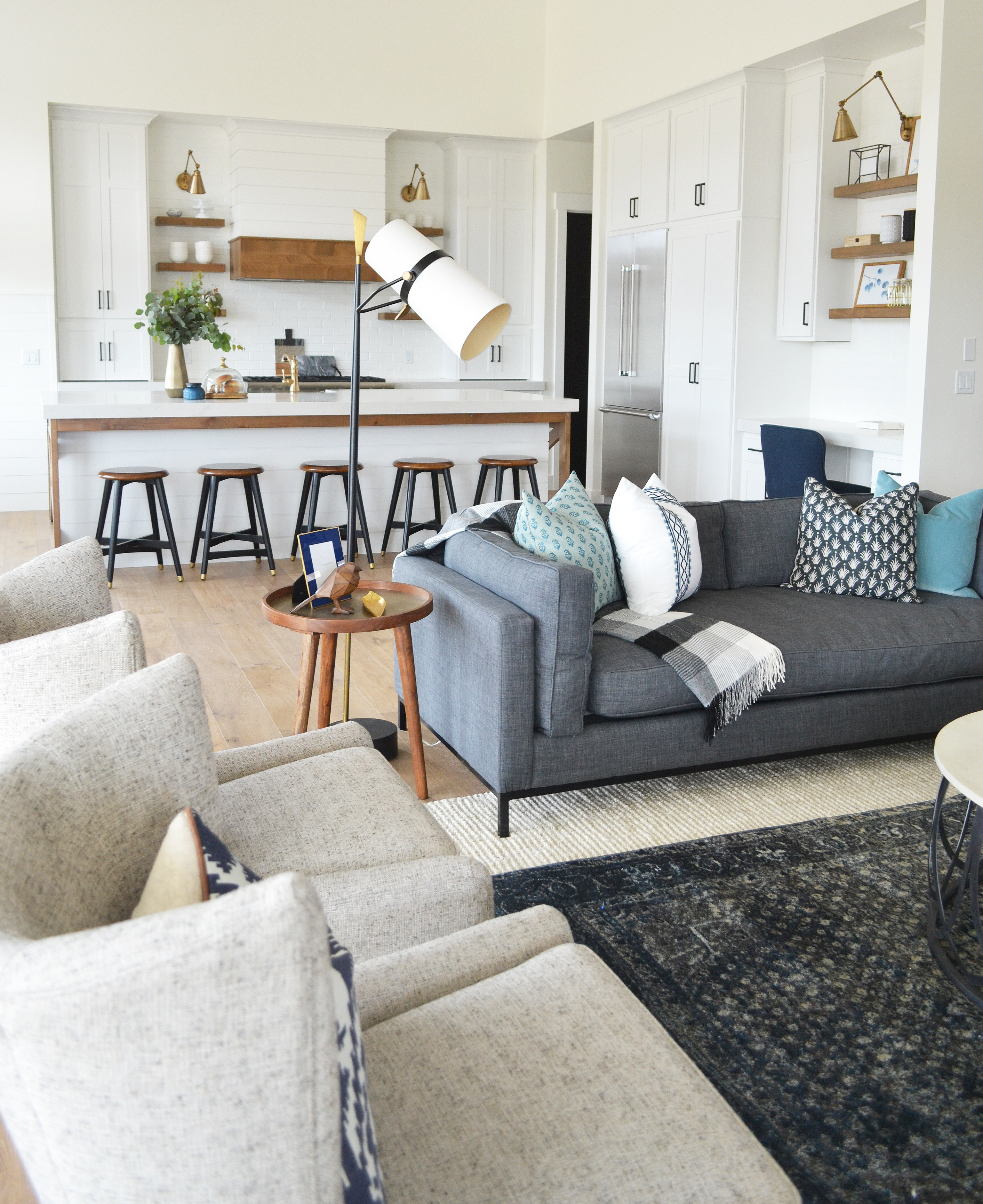 Smi modern farmhouse kitchen and dining nook sita montgomery interiors - Dark gray sofa ideas ...