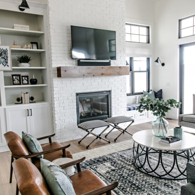 SMI Modern Farmhouse: Entry & Family Room