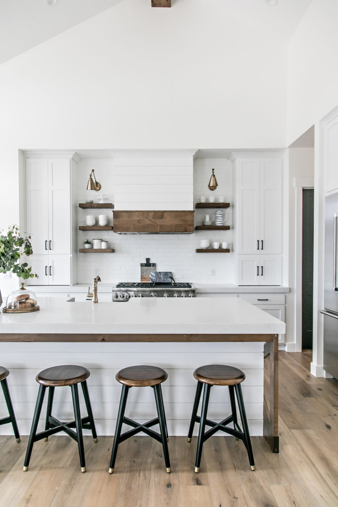 Smi Modern Farmhouse Kitchen And Dining Nook Sita