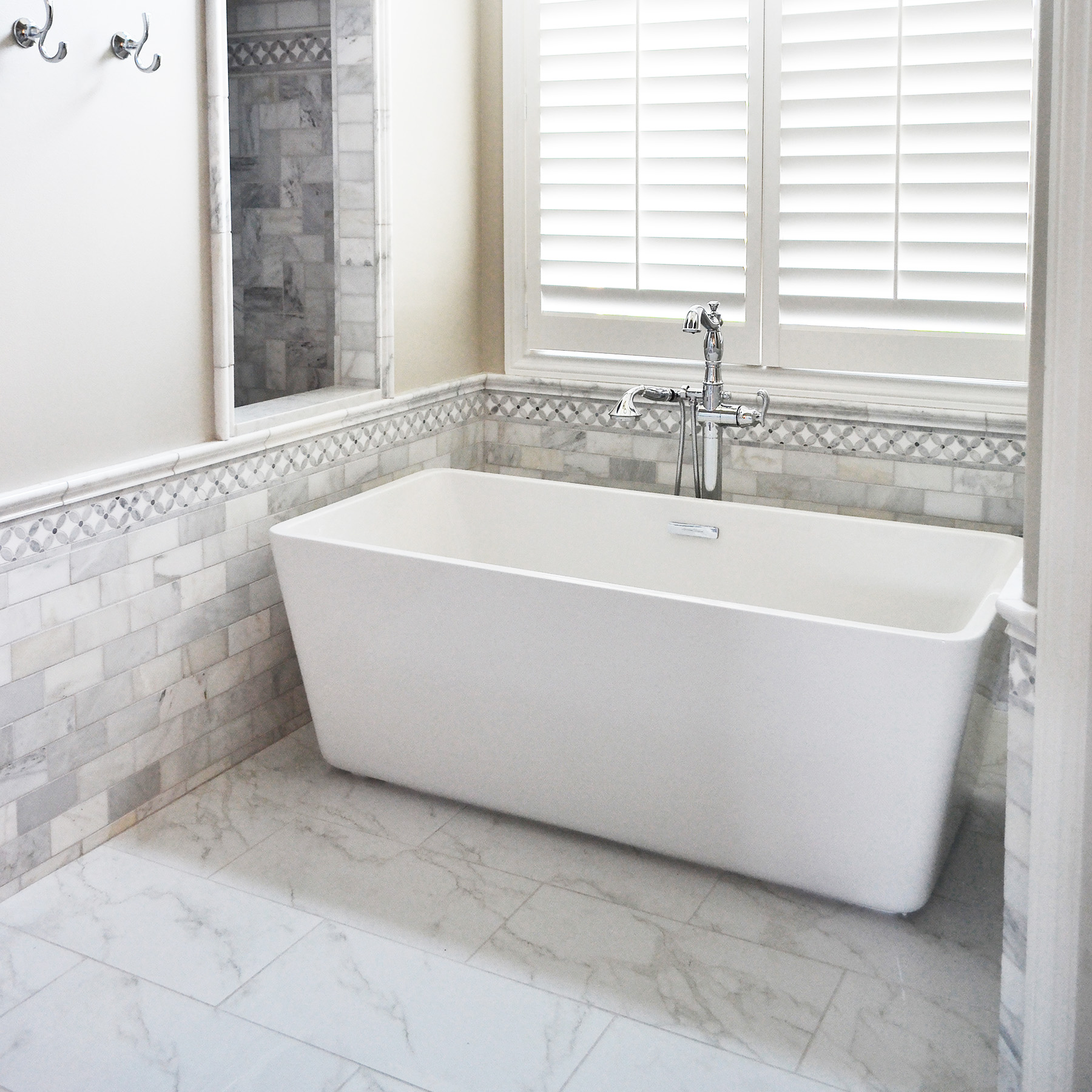 bathtub enchanting contemporary with faucet designs gorgeous bathroom tub stupendous free oval freestanding standing ideas shower pictures for beautiful bath